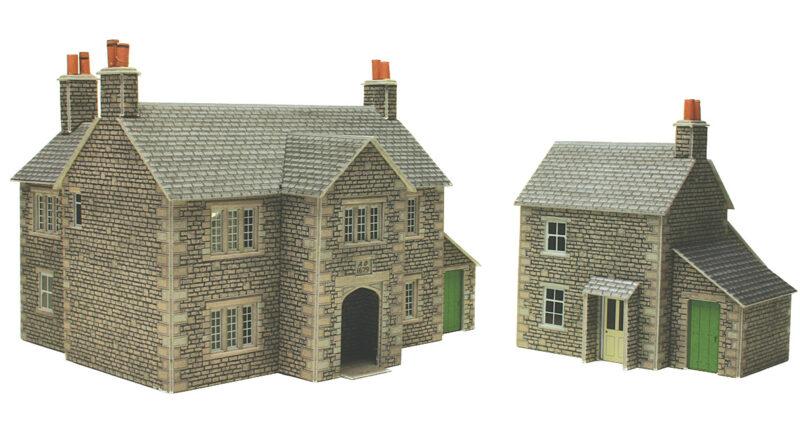 PO250 Manor Farm House